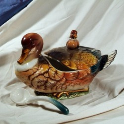 Tureen Duck with Duckling