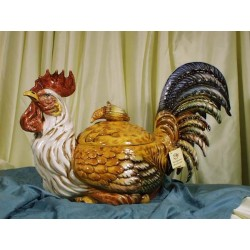 Tureen Rooster Crouched